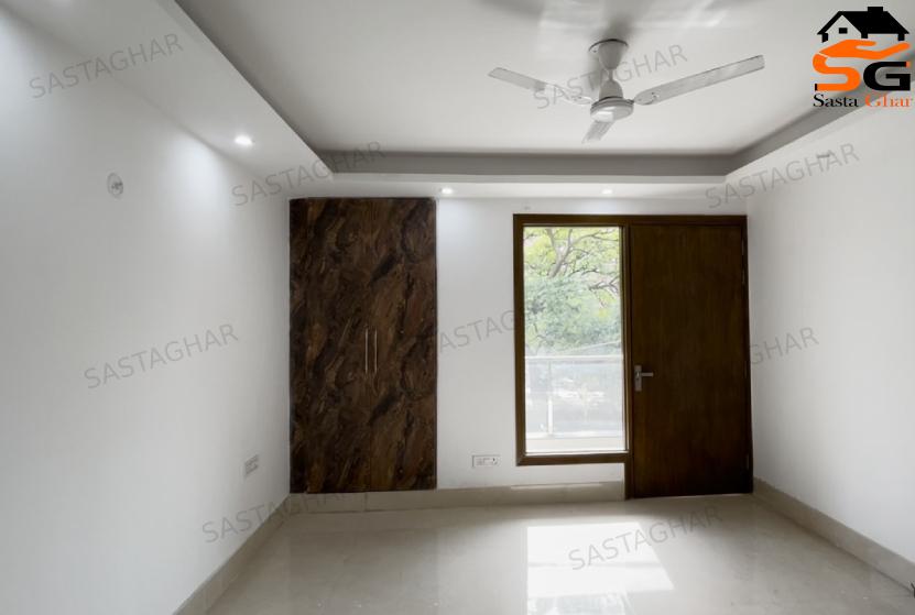 4 BHK Luxurious Flat In South Delhi