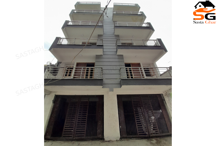 2 BHK Flat in Chattarpur Enclave