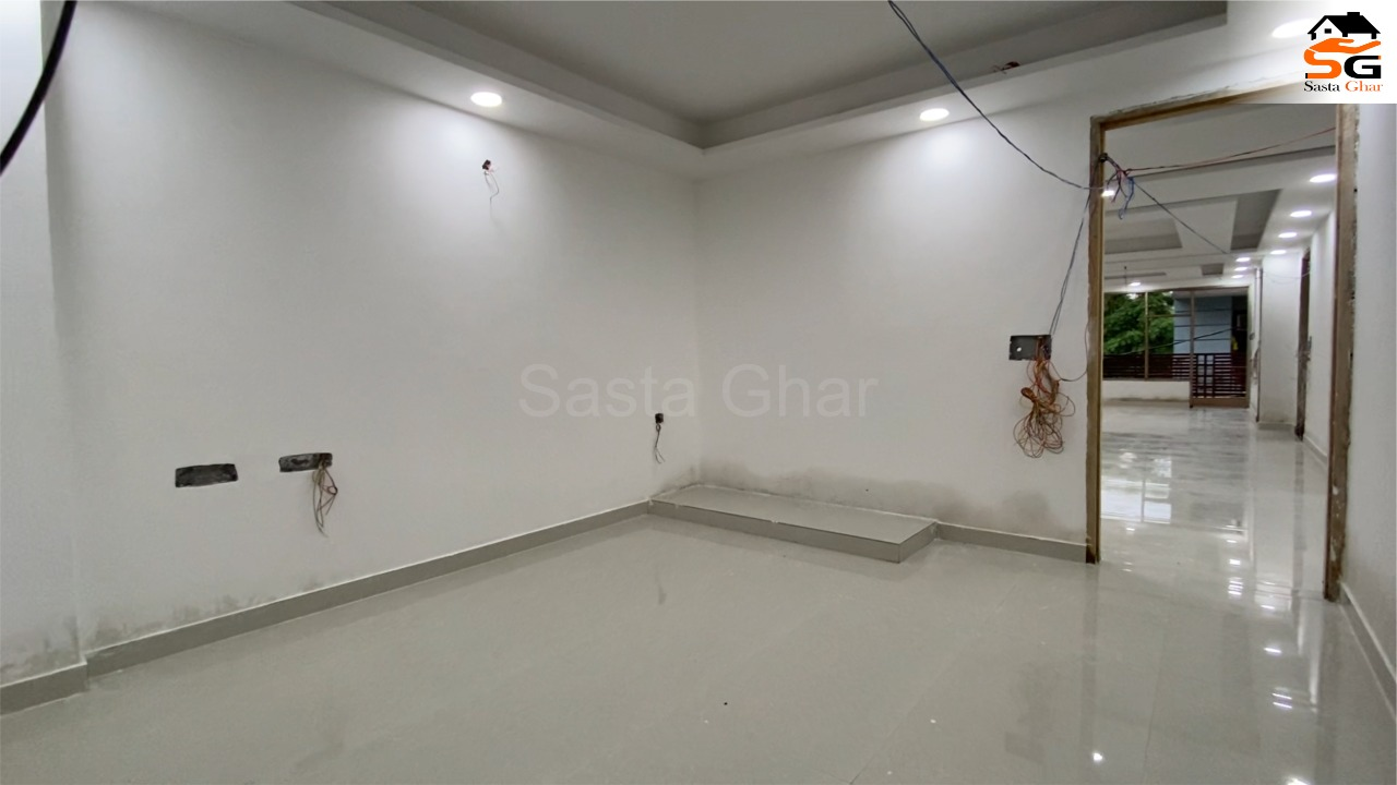 3 BHK Flat In Chattarpur Enclave
