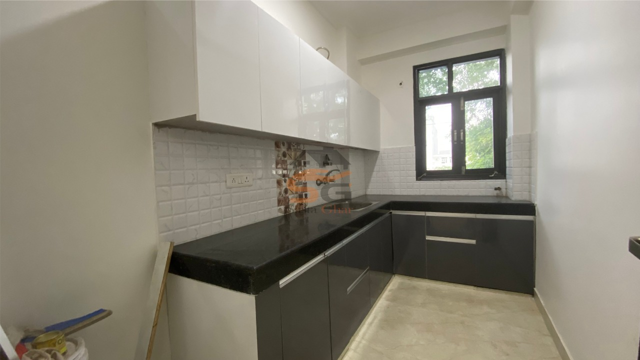 3 BHK independent flat in chattarpur enclave