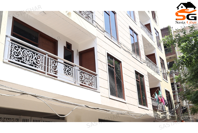 4 BHK Flat in Chattarpur Enclave